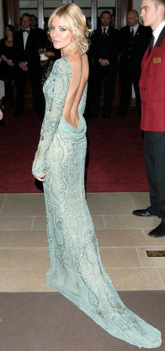 Sienna Miller in Matthew Williamson gown. Gourgeous.