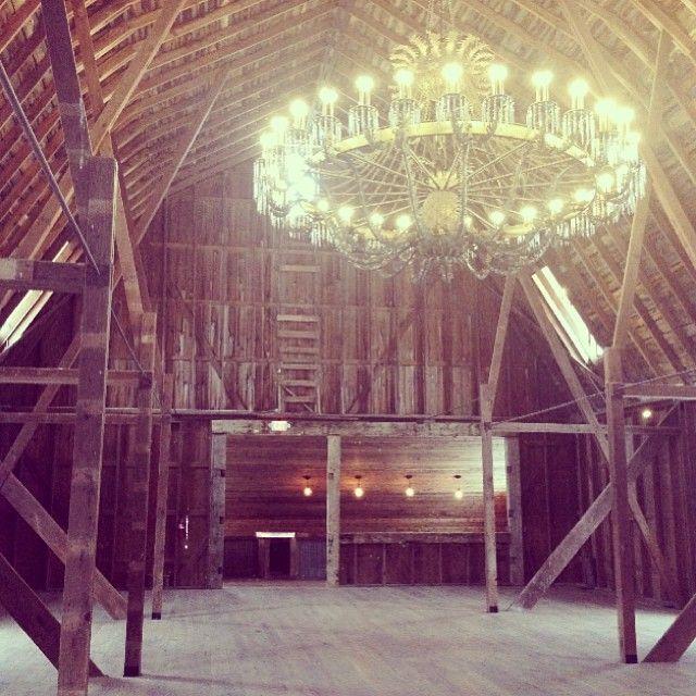 Cottonwood barn dexter michigan wedding venue rustic for Honeymoon spots in michigan