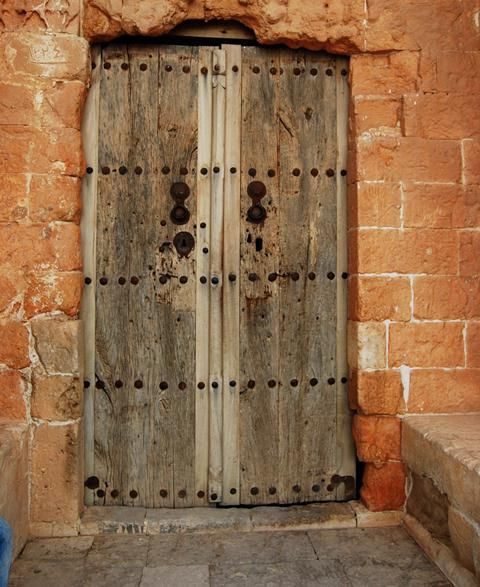 Kasimiye Medresesi in Mardin : An Old Islamic School dating back to 1502 #doors