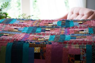 Pleasant View Schoolhouse: The Opposite of January Log Cabin Quilt