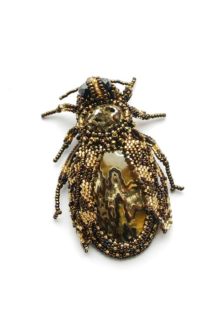 Пчела из симбирцита