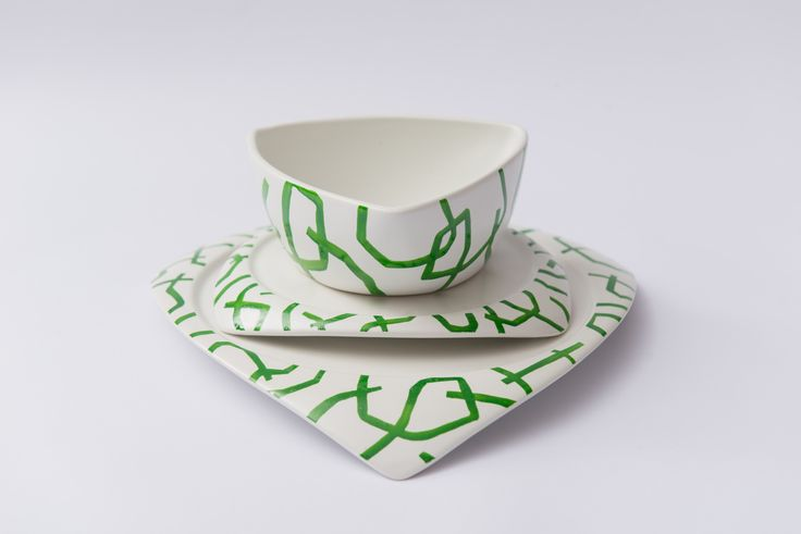 Romanian brand Ubikubi and KITRA, an up-and-coming Romanian artist, joined their creative forces to develop a charity project. The ceramic Flying Saucers created by designer Dragos Motica have been customized with Kitra's distinctive patterns. The final result is a limited edition collection of pottery, where every unique set contains one bowl and two different sized plates.