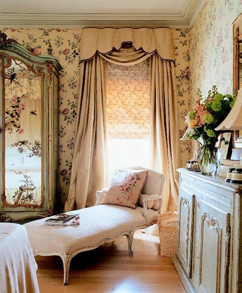 best 20 french boudoir bedroom ideas on pinterest. Black Bedroom Furniture Sets. Home Design Ideas