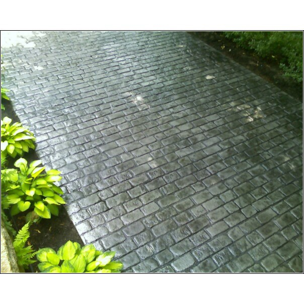 Photos of stamped concrete driveways in massachusetts and New England