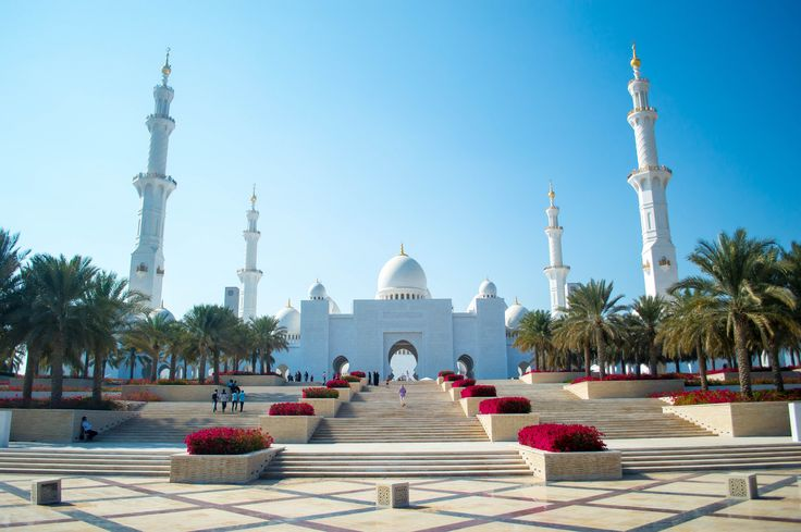 Sheikh Zayed Grand Mosque is located in Abu Dhabi, the capital city of the United Arab Emirates, and is considered to be the key site for worship in the country. The design of the mosque was done by a Syrian architect named Yousef Abdelky. #travel #destination #abudhabhi #sheikh-zayed-grand-mosque #uae #mosque #architectural