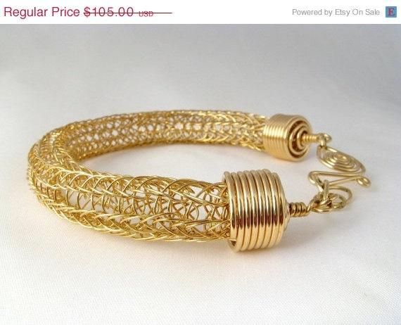 braceletKnits Techniques, Knits Gold, Wedding Jewelry, Vikings Knits, Jewelry Ideas, Wire Vikings, Wire Bracelets, Knits Bracelets, Gold Wire