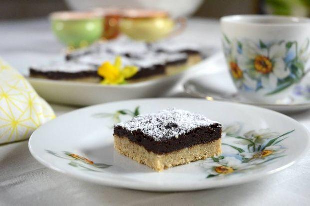 Nem og lækker lille bradepandekage med valnødder og chokolade. Perfekt til kaffen efter den gode frokost.