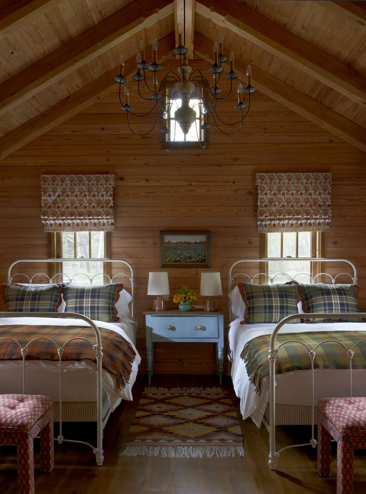 Cabin on the lake Guest Bedroom