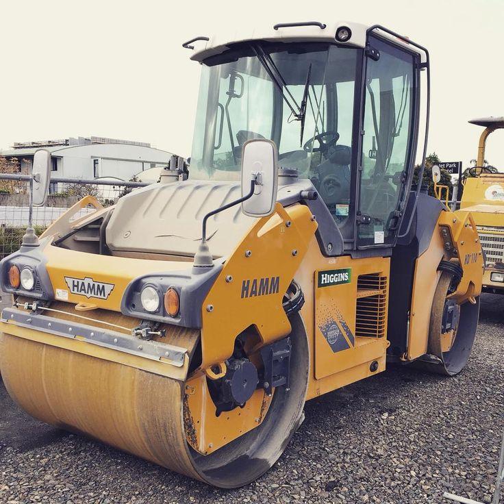"""#auckland #newzealand #roadworks #motorway #higgins #construction  way of life"""