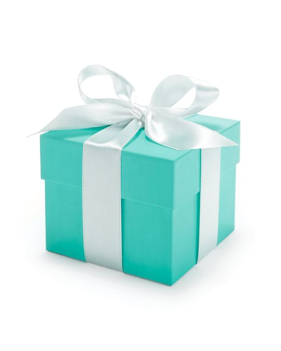 Tiffany That moment when you first see the little teal box with a white bow! It's magical :)