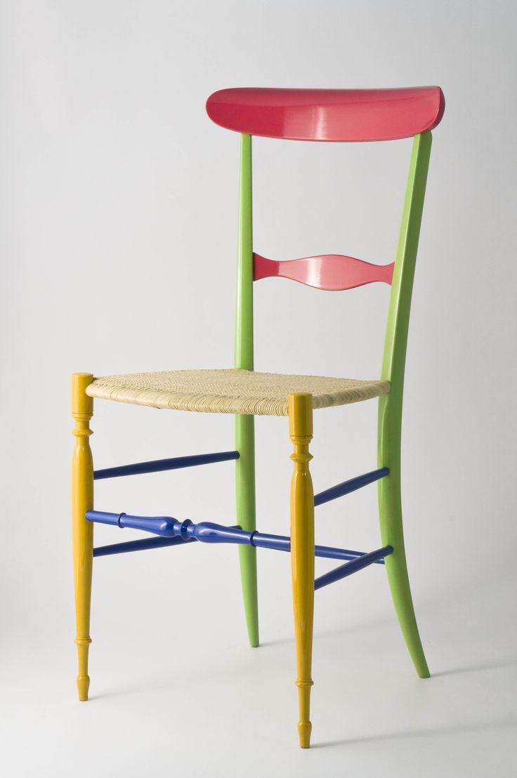 Chiavarina Supercolor, model n. 4, from Fratelli Levaggi collection. Designed by Davide Conti #fratellilevaggi #design #chiavarichair #handmade #woodworking #madeinitaly #homestyle #sedia #chair #chiavarina #furniture #home #chiavari #makers #color #style #glam #classic #creative #sedia