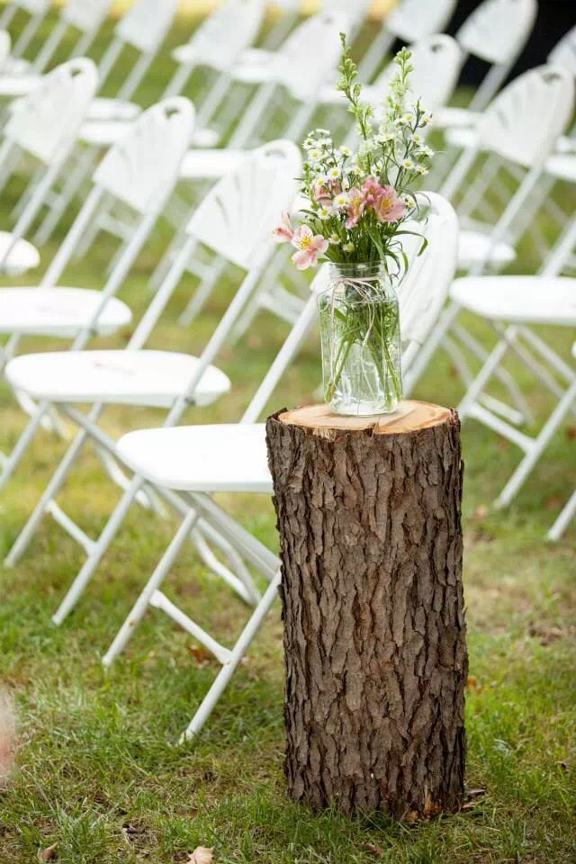 Outside country chic wedding. Up the aisle #holthauswedding13