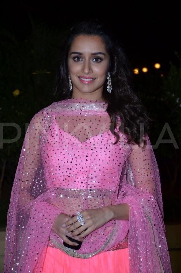 Shraddha Kapoor at Vishesh Bhatt's wedding reception | PINKVILLA