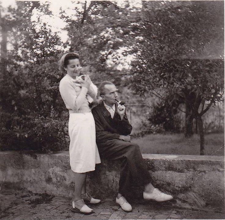 1948 με την Ελένη Καζαντζάκη στην Γαλλία