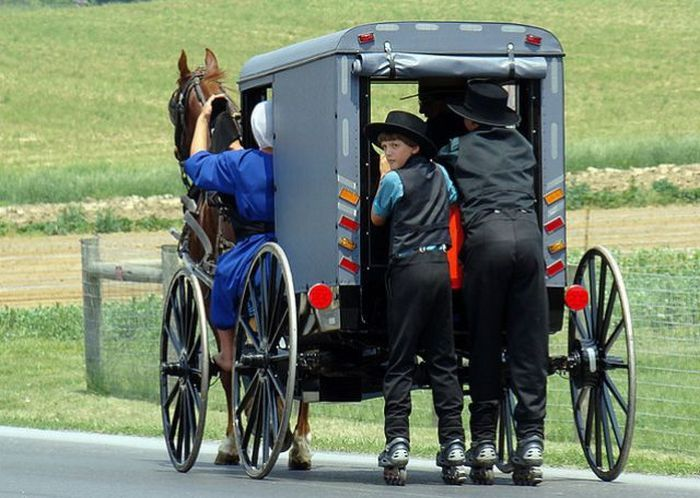 Amish Images Of People | Rollerblading Amish People (32 pics)