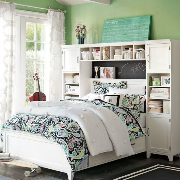 teen girl bedroom. I like the sign on the back of the head board...