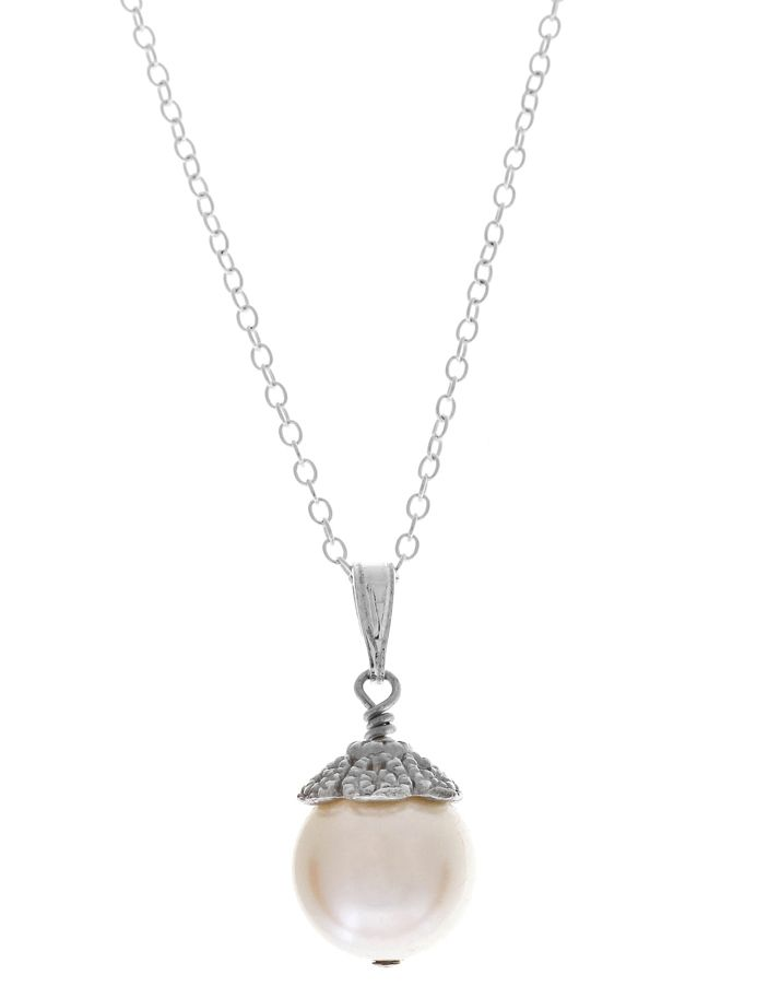 Vintage pendant using Swarovski pearl from Lou Lou Belle Designs http://www.louloubelle.co.uk/pendants_bridal.html#