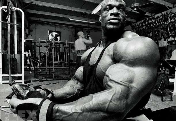 The King In Repose Ronnie Coleman Bodybuilding Motivation Bodybuilding Pictures
