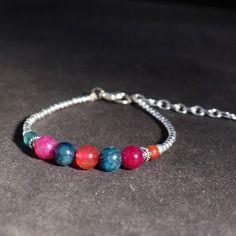 Bracelet bohème pierres tourmaline et métal argenté. bracelet été perles roses