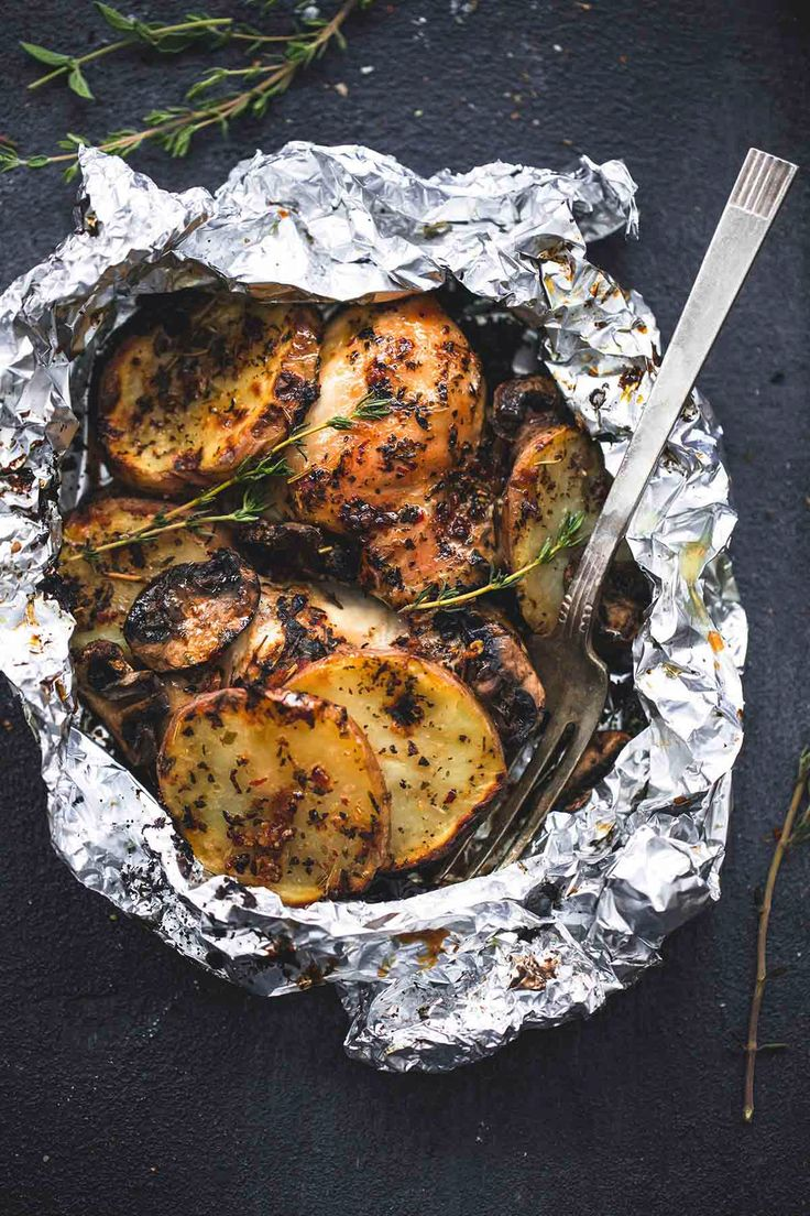 Grilled herbed chicken & potato foil packs are a fun and simple summer dinner that the whole family will love. They can even be made on a camping stove!