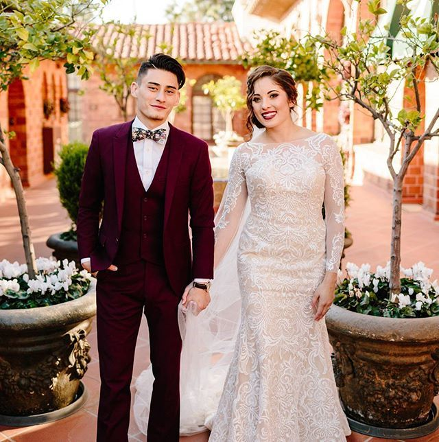 New Years Eve Wedding The Mission Inn Hotel Bride And Groom Photo Inspiration Couple Wedding Phot Wedding Dresses Bride And Groom Photo Wedding Dresses Lace