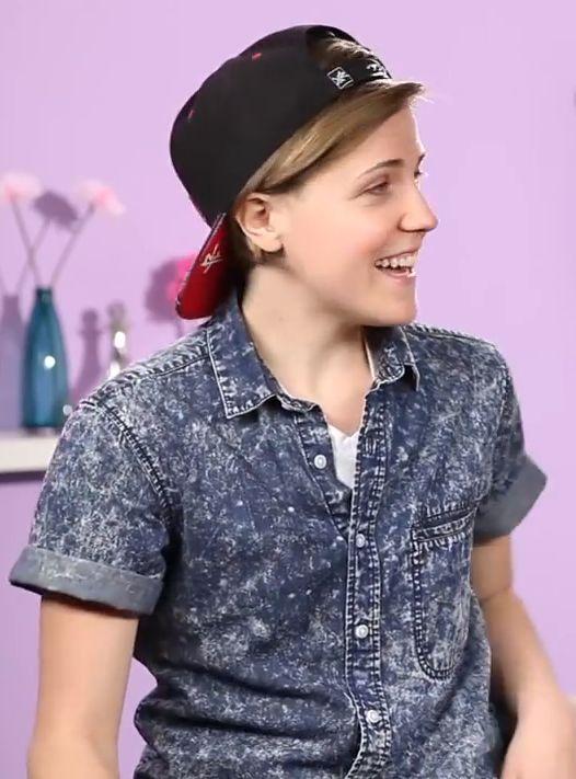 Hannah hart (the hair looks good with a hat too)