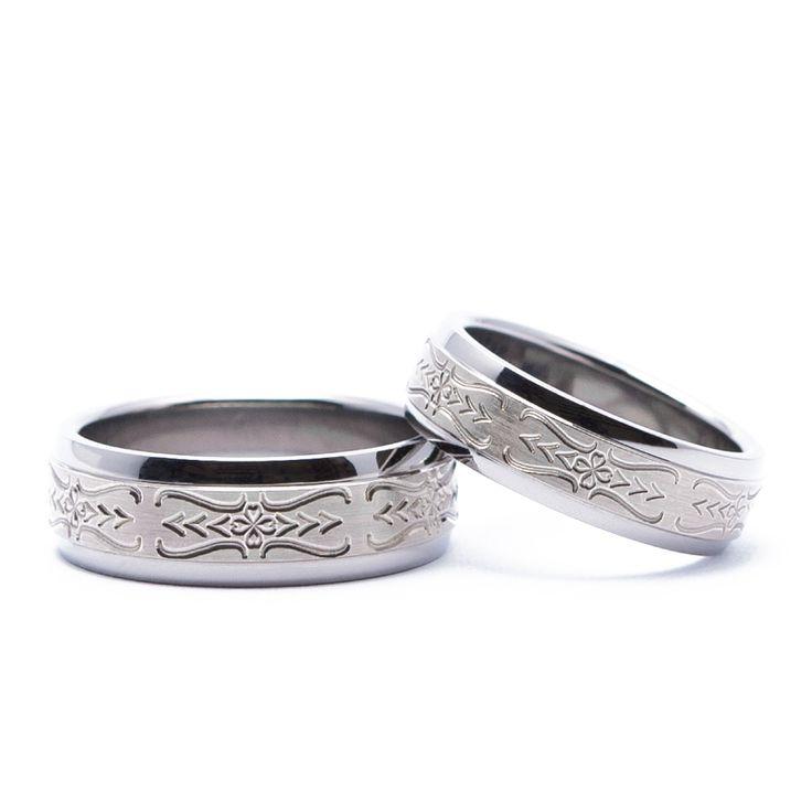 【結婚指輪 With 華やぎ】「気高く美しく」と願いが籠めらた結婚指輪。素材:Ti/K14.