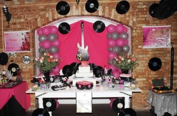 Festa 18 Anos Masculina Fantasia Anos 60 Ideas Table Decorations