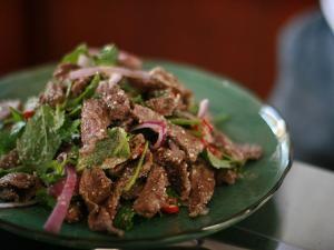 Recette Salade de boeuf émincé à la façon thaïlandaise Yam nuea