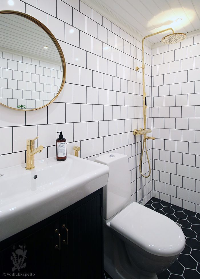 My upstair´s bathroom. Tapwell brass shower <3 #hexacontiles #tapwell