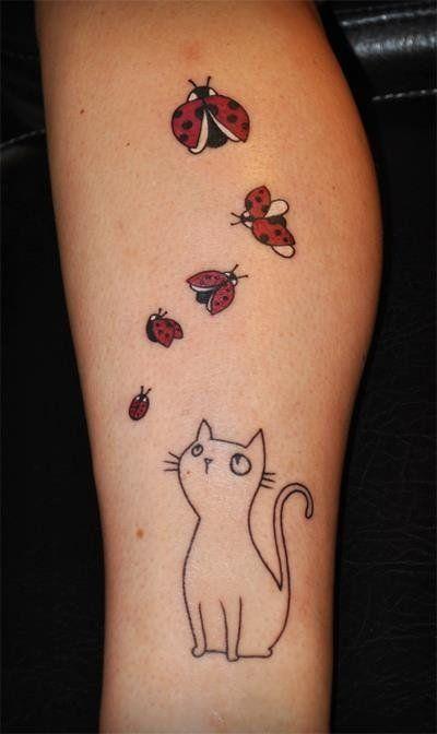 Minimalistische kitty auf Marienkäfer