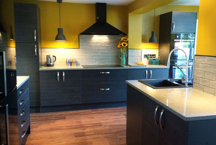 An Innova Cento Graphite Modern Kitchen
