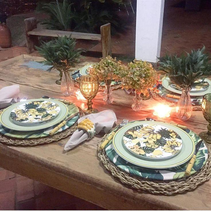 Fofar sãs mesa! Amei! Inspiração @ludmilagomes#recebercomcharme #meseirasdobrasil #mesachic #mesasvip #mesalinda #mesapostacomestilo #mesasvip #mesachic #mesaposta #mesadejantarbonita #mesachic #mesasvip #bomprovechorj #buenprovecho