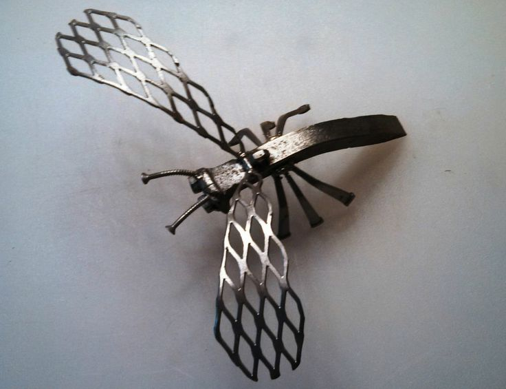Scrap Metal Nut And Bolt Hornet Garden Sculpture 8 Quot Wing
