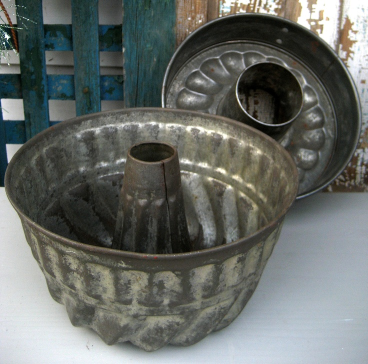 Vintage Tin Fluted Bundt Cake Pan In 2019 Vintage Baking