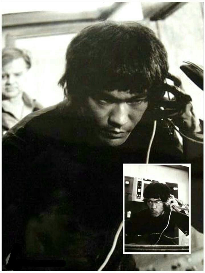 Shot from Enter the Dragon - the radio scene during the conflict with the guards #enterthedragon #BruceLee