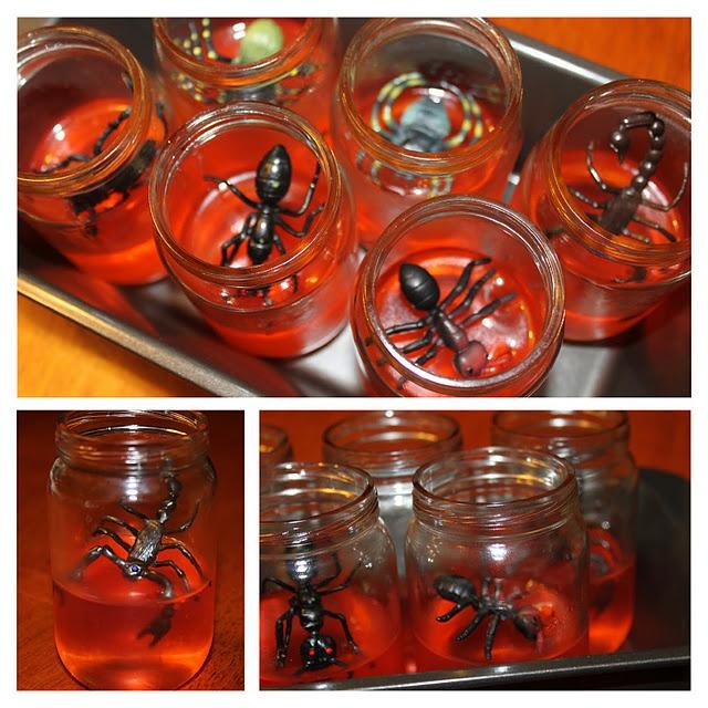 Kids Halloween crafts - Creepy Jell-O Snacks!