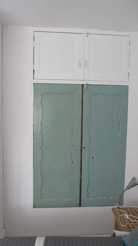 Inbouwkast met vintage kastdeuren