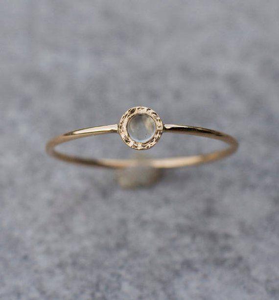 14 Karat Plaqué or Rose moonstone ring
