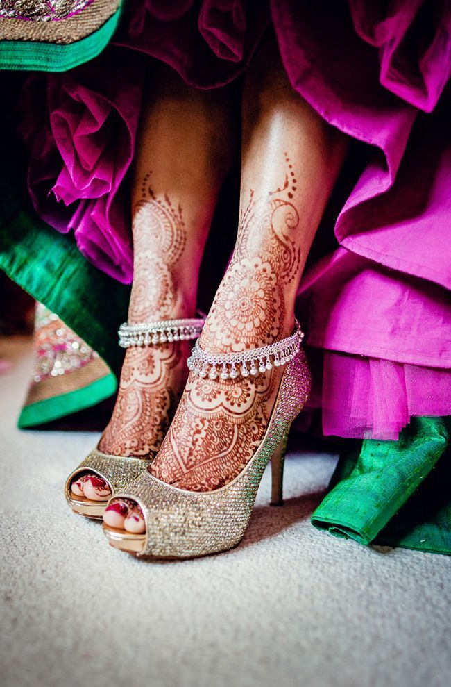 Gold Indian wedding shoes with payal - My wedding ideas