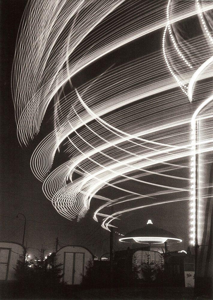 Toni SCHNEIDERS :: Carousel at the Dom Fairground, Hamburg, 1950