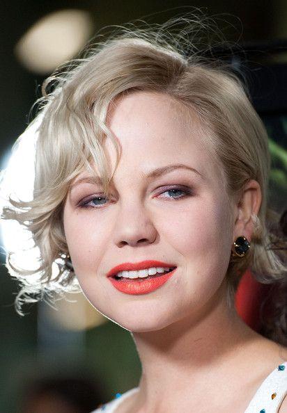 Adelaide Clemens Photo - short wavy blonde