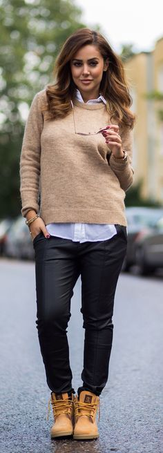 Autumn Outfits: Sharareh Sophia Hosseini is wearing black trousers, camel sweater and white shirt