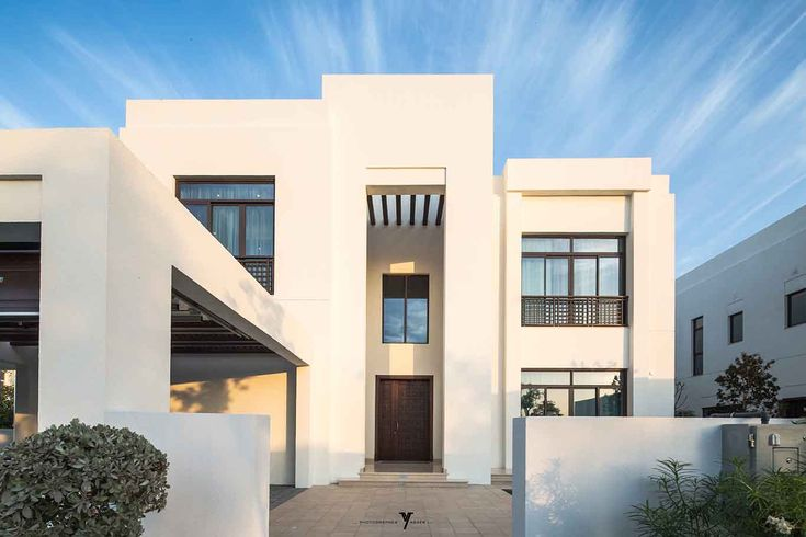 Arabic modern villa google search arabic modern style for Facade villa moderne