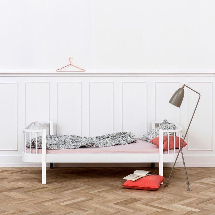 Einzelbett design  Einzelbett Pinterest'te | Einzelbetten, Duvet ve Aufbaustrahler ...