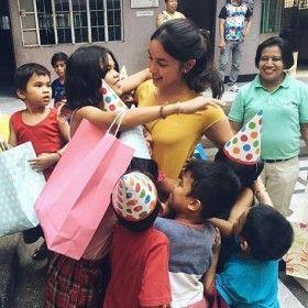 Julia Barretto, binanatan sa pagtulong sa mga batang kapus-palad http://www.pinoyparazzi.com/julia-barretto-binanatan-sa-pagtulong-sa-mga-batang-kapus-palad/
