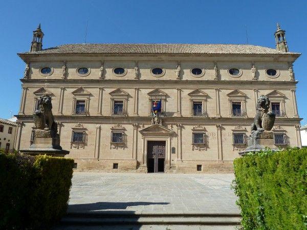 El Palacio De Vázquez De Molina O De Las Cadenas Es Un Palacio Civil Del Renacimiento Esp Renacimiento Español Renacimiento En España Arquitectura Renacentista