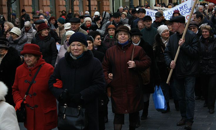 """""""Марш голодных пенсионеров"""" в Вильнюсе"""