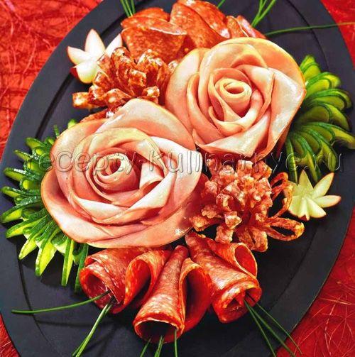 Aranjarea mesei festive și a bucatelor de sărbătoare |