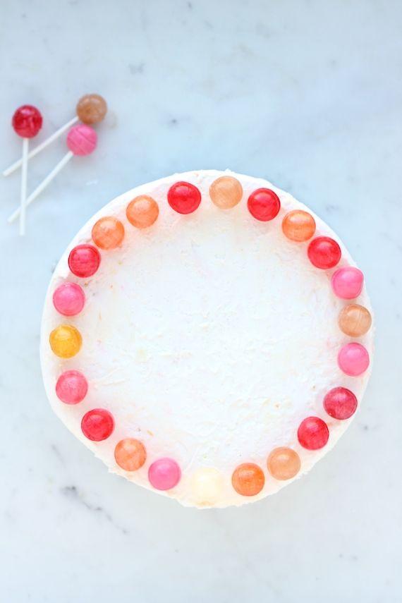 DIY: Four Easy Cake-Decorating Ideas
